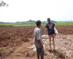 IPON lässt sich von Farmerleader Felder zeigen